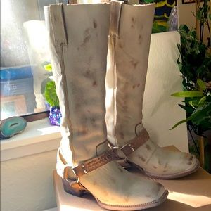 Distressed Cream White Freebird Timber Boots